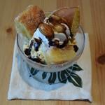 ウルラニ カフェ - ミニマラサダパフェ