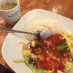 巧匠 - 豚肉と玉子炒め甘酢かけご飯 500円