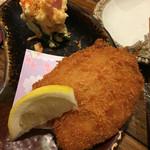 居酒屋 ちょーちょ - アジフライとポテトサラダのセット。これも美味い!