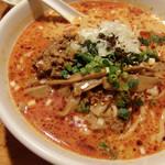 52139030 - 坦々麺辛め。醤油ベースの坦々麺。辛めといってもそこまで辛くはない。