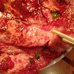 焼肉ざんまい - 脂もバッチリ入ったカルビ