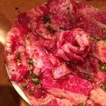 焼肉ざんまい - カルビ 2人前で華が咲く