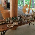森のカフエKISEKI - 店内では四万温泉にある「工房無限大」の陶器販売が行われていました