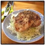Yottekebakimmarusakaba - 骨つき鶏290円。             こんなに満足できる290円なんて、世の中にはなかぬか無いと思う。