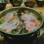 ダイニングしゃぶしゃぶ 仁 - 2種類のスープを楽しむスタイル