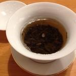 グリシェンカフェ - 何回もお湯を足してくれるジャスミンティー