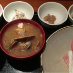 めしの助 - おまかせ朝定食(子持ちシャコの煮付け・しらす沖漬け・自家製ツナマヨ・明太子)