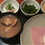 めしの助 - おまかせ朝定食(自家製ツナマヨ・桜鯛の白子と卵の煮付け・めかぶ酢・明太子)