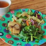 カオマンガイバザール - タイのお惣菜、サラダ