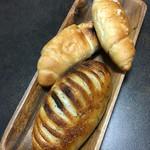 52150809 - バジルチーズ、塩パン