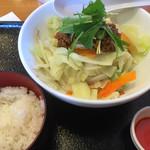 リンガーハット - 料理写真:まぜ辛めん=500円 税別 ご飯=140円 税別