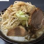 周旋人 - 豚麺(700円)野菜・脂マシ