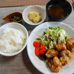 ぶるーむ - 料理写真:からあげ定食 850円