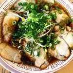 肉のサカタ チャーシュー しんちゃん - ラーメン並                                                                                チャーシュー麺ではありません