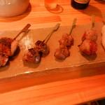 鳥と魚 - 串5種盛り(もも・砂肝・ハツ・豚トマト・ささみ)