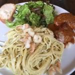 ピッコロティガー - スペシャルランチ 海老とアボカドのクリームパスタ チキン