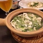 月季花 - 野沢菜と鶏肉のあんかけ土鍋ごはん!