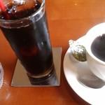 Cafe.C.C - アイスコーヒーとホットコーヒー