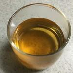 52161431 - 黄金色に輝くまこも茶