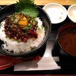 馬肉酒場 馬鹿うま精肉店 - (ランチ)桜ユッケ丼 大盛
