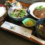 レストラン しん愛 - コンビ海老ハンバーグ膳