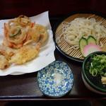 手打ち讃岐うどん じゃんぼ - 料理写真:天ざるうどん700円(税込)