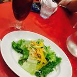 ポルティチェッロ - 2016/6/11 ディナーで利用。 パスタにつけた、サラダセット(380円) サラダとドリンクがついてきます。