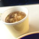 サファイヤ - わかめスープに溶き卵が入ってる♪