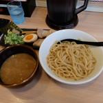 つけ麺 らーめん 春樹 - 超濃厚魚介とんこつつけ麺(税込み830円)