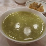 52178684 - グリーンピースのスープ