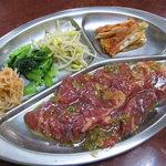 栄楽苑 - ロース定食