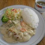 52180848 - 海老とチキンのクリーム煮ライス(カップスープ付き) 600円