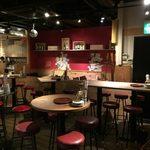肉酒場 エコヒイキ - ekohiiki:店内