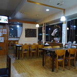 永華餃子館 - 清潔、機能的。