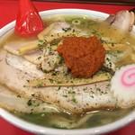 赤湯ラーメン 龍上海 - 赤湯からみそチャーシュー麺(税込1150円)