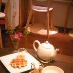 シスカフェ・オクトーブル - 手作りワッフルと紅茶♪