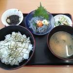 大津漁協直営市場食堂 - 生しらす丼