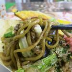 吉祥寺 YAKISOBA 四季 - モチモチした太麺と爽やかな甘口ソース