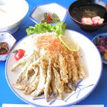 桝屋 味処 - わかさぎ定食。漁業組合員の店主が投網で獲ります。中禅寺湖のわかさぎは、小ぶりで美味です。