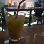 トゥー・ドッグス・タップルーム - オレンジジュース