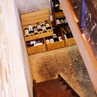 オーナーこだわりのワインの数々