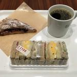 デリカフェ・キッチン オオサカ ミドウ - 2016年6月 ブレンドコーヒー330円 ミックスサンド320円
