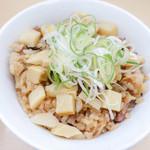 煮干鰮らーめん 圓 - チャーシュー煮汁ご飯