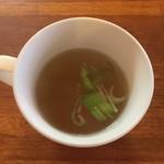ロータ - オムライスにはスープが付いております。