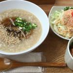 オカユスタンド - きのこ餡かけ粥(ベジブロス)