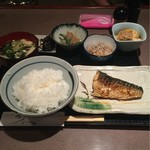 料理とお酒 ちどり - 焼き魚 塩さば650円