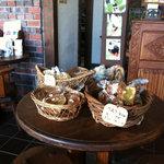 日野水牧場 ファームハウス - 店内にはちょっとしたお土産も。
