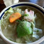 日野水牧場 ファームハウス - 具たくさんスープ、ベーコンまで自家製です!