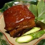 琉球料理 ぬちがふぅ - ラフテー(豚の角煮)甘辛で泡盛に合う!