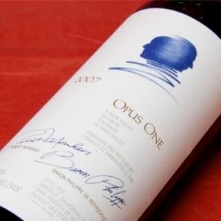 カリフォルニア産のワインも60種取り揃えております。
